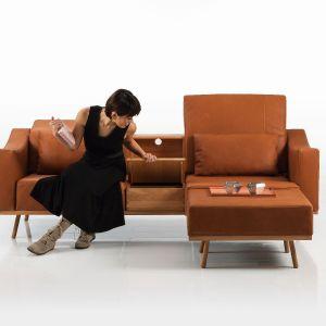 """Sofa """"Deep space"""" firmy Brühl (projekt: Kati Meyer-Brühl) została wsparta na metalowych płozach, które kształtują wizualną lekkość mebla. Fot. Brühl"""