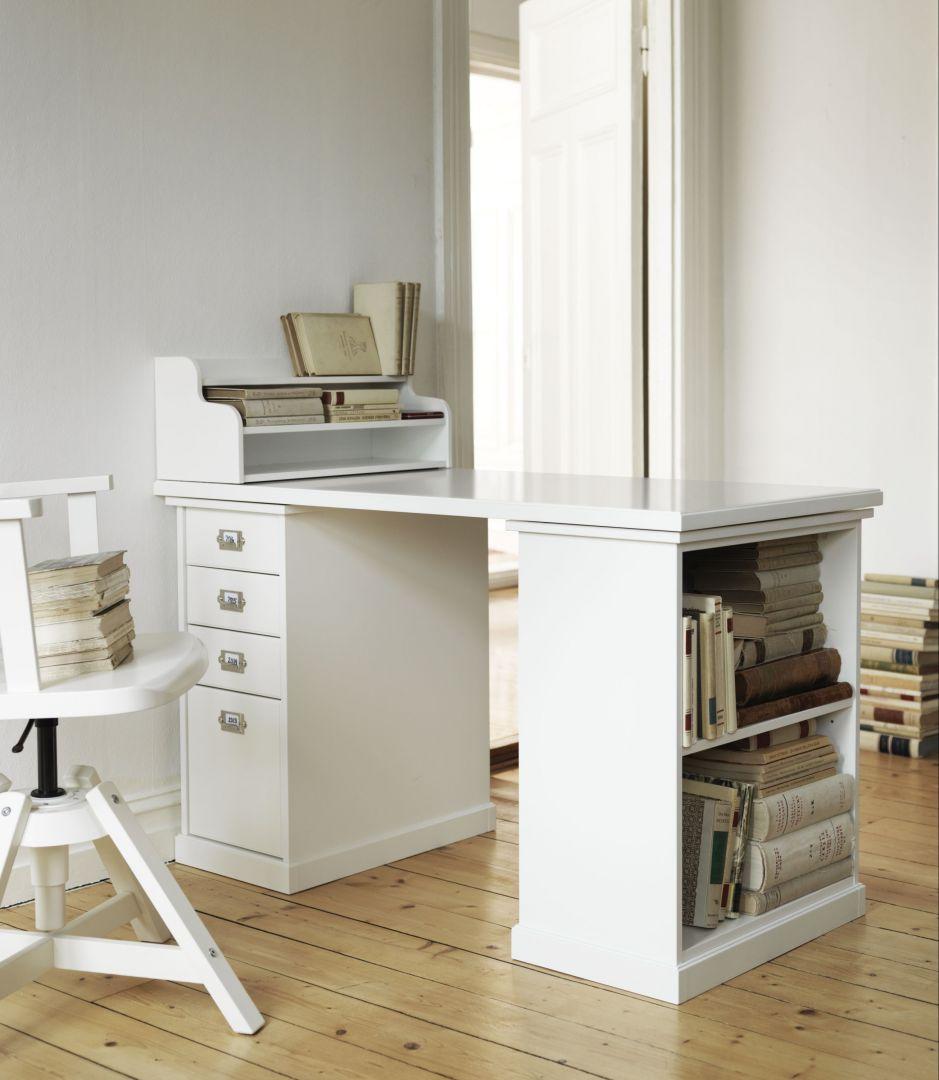 Idealne biurko. Zobacz jak ułatwić sobie codzienną pracę