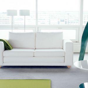 Klasyczna, uniwersalna i wielozadaniowa- taka jest Victor sofa. Łatwo zamienia się w dwuosobowe łóżko. Fot. A Tak Design