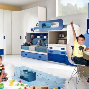W pokoju chłopca powinno się znaleźć biurko oraz dużo miejsca na zabawki. Fot. Giessegi