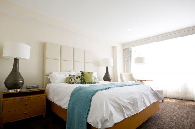 Jasna sypialnia. Najpiękniejsze aranżacje od architektów wnętrz