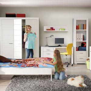 Kolekcja Snow do pokoju dziecka to meble o nowoczesnej stylistyce w najmodniejszym kolorze - biel na wysoki połysk. Fot. Forte