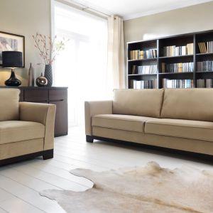 Wersalka i fotel Laredo wyróżnia się tradycyjną formą. Dostępna w zestawie z fotelem. Black Red White
