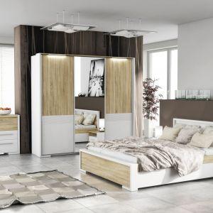 Sypialnia Home Media to modne połączenie bieli i drewna. W ramach kolekcji dostępne jest łoże, szafa oraz pojemna komoda. Fot FM Bravo