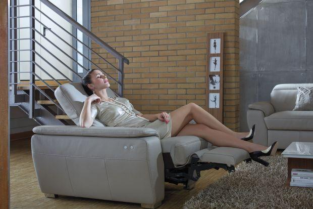 Fotel Molto oferuje komfort wypoczynku.