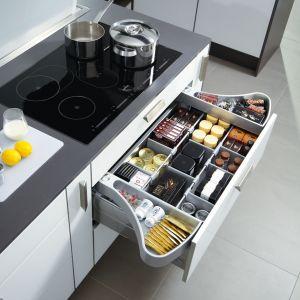 Szuflady należą do najważniejszych akcesoriów kuchennych. To one decydują o funkcjonalności pomieszczenia. Fot. Hettich