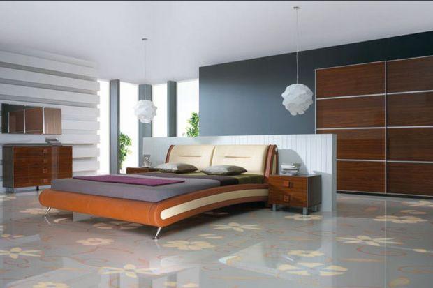 Nowoczesne meble sypialniane z frontami na wysoki połysk.