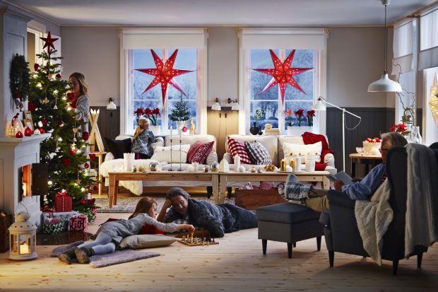 Święta to wspaniały okres nie tylko dlatego, że spotykamy się i świętujemy w gronie rodziny, ale też dlatego, że otaczamy się cudownymi dekoracjami. Jedną z nich i niewątpliwie najdoskonalszą jest...choinka. Zobaczcie jak można ją pięknie