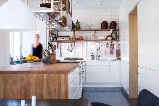 W jasnej, przytulnej kuchni czas spędzony podczas gotowania jest znacznie przyjemniejszy. Zobaczcie modele, które sprawią, że domownicy zaczną gromadzić się w kuchni znacznie chętniej.