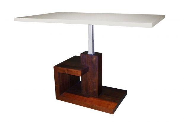 Propozycja 2 w 1 – stolik kawowy, który z łatwością można przekształcić w wygodny stół jadalniany.