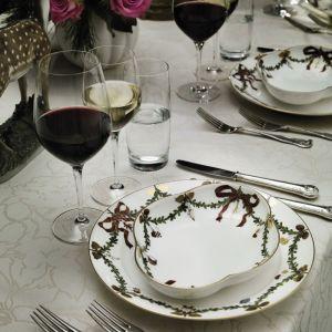 """Kolekcja """"Gwiazda"""" marki Royal Copenhagen to gustowna porcelana specjalnie na takie okazje jak święta. Fot. Rosenthal"""