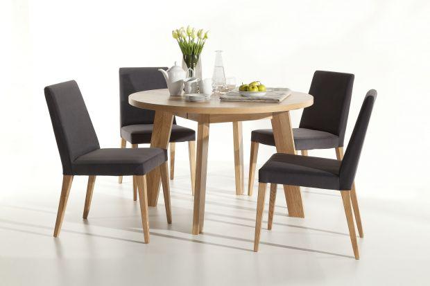 """Stół """"Nord"""" został zaprojektowany przez Marcina Marcinkowskiego w zgodzie z oszczędną, skandynawską stylistyką."""