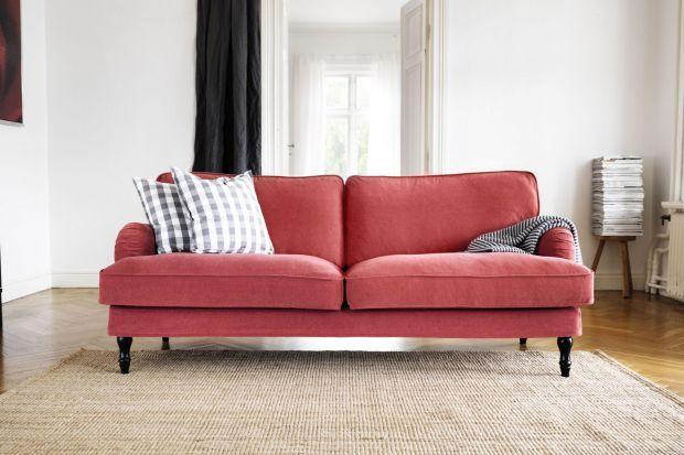 Klasyka i miękkość. To dwa elementy, które idąc ze sobą w parze zapewniają maksymalną wygodę odpoczywania na sofie.