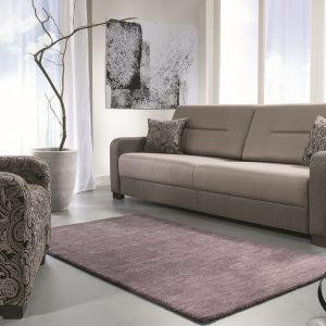 Sofa Modo wyróżnia się klasyczna formą. Wysokie oparcie zapewnia komfort wypoczynku. Cena: około 2.200 zł. Fot. Libro