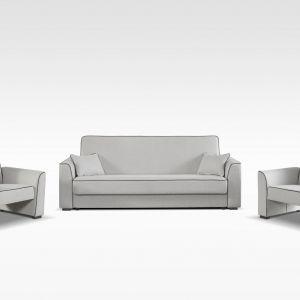 """Zestaw """"Fox"""" składa się z trzyosobowej wersalki oraz dwóch foteli. Wersalka posiada funkcję spania oraz pojemnik na pościel. Wbudowane sprężyny typu bonell zwiększają komfort siedzenia. Fot. Agata Meble"""