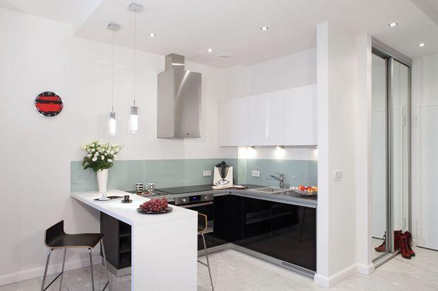 Barek świetnie sprawdza się w kuchni otwartej na salon. Może pełnić funkcję dekoracyjną lub użytkową. Wszystko zależy od naszych potrzeb i oczywiście od ilości miejsca którym dysponujemy.