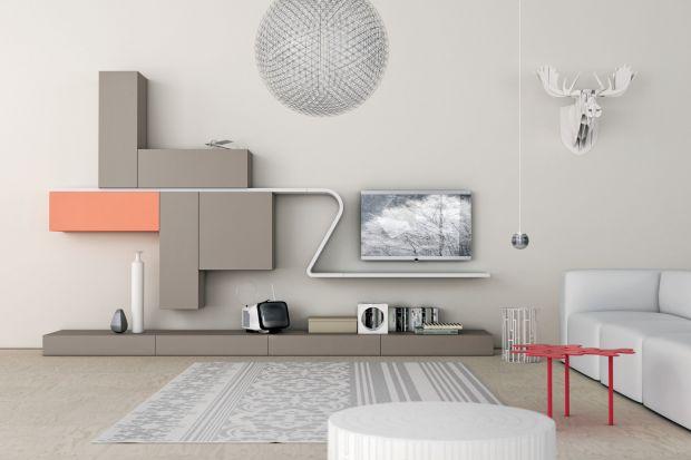 Powieszenie telewizora na ścianie to dobre rozwiązanie szczególnie w niewielkich wnętrzach. Do wyboru mamy różnej wielkości i rodzaju panele oraz ścianki, na których odbiornik będzie dobrze wyglądał i nie zajmie zbyt wiele miejsca.