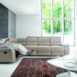 Narożnik Stella marki Gala Collezione posiada funkcję relaksu, która zapewni odpowiedni wypoczynek. Fot. Gala Collezione