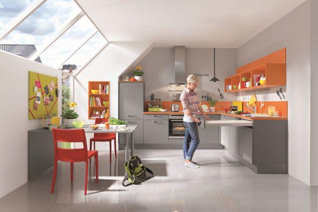 Kuchnia bez górnej zabudowy to obecnie modny trend. Zobacz, jak można ją urządzić.