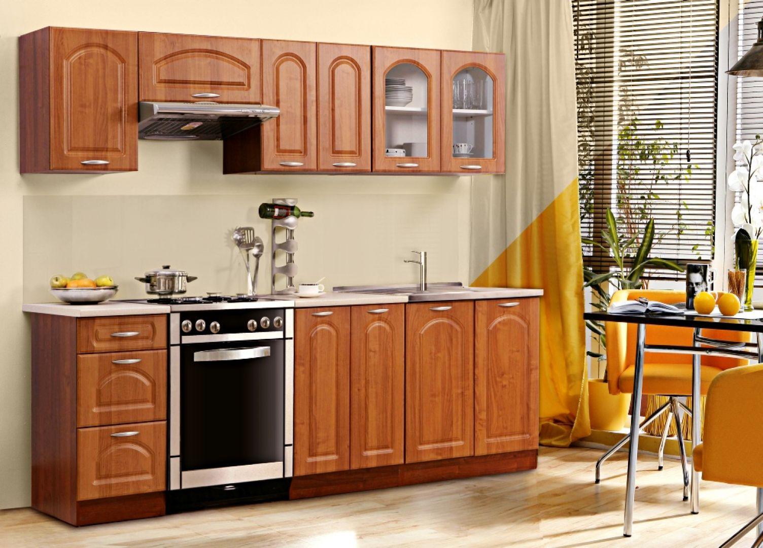 Kuchnia Nadia nawiązuje do klasycznej stylistyki i dostępna jest w ciepłych kolorach, które dodadzą wnętrzu przytulności. Cena: 1.095 zł. Fot. Leroy Merlin