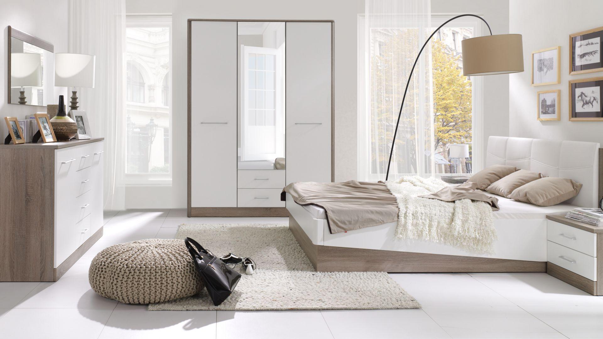 Sypialnia Liverpool dostępna w najmodniejszym połączeniu drewna z kolorem białym w połysku. Fot. Stolwit