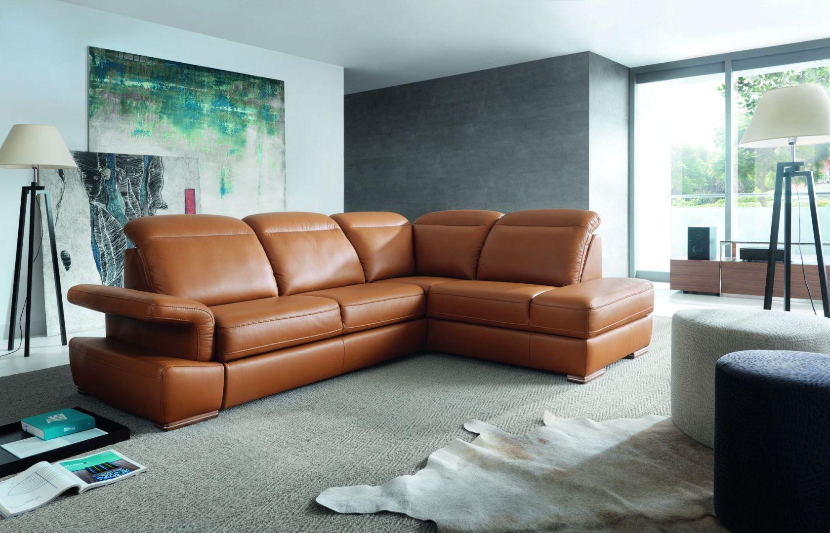 Sofa Morena marki Gala Collezione to wygodny model, który oprócz stylowej sylwetki, posiada wiele funkcji poprawiających komfort siedzenia. Fot. Gala Collezione