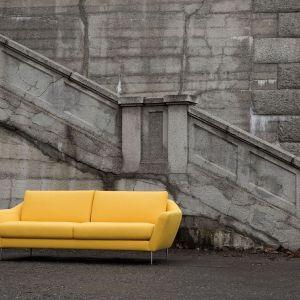 Sofa Agda marki Sits doskonale wkomponuje się w salon utrzymany w klimacie art-deco. Fot. Sits
