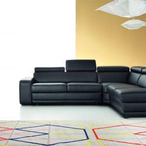 Matt to elegancki narożnik, który dzięki wygodnemu siedzisku i regulowanym zagłówkom, zapewnia duży komfort. Fot. Etap Sofa