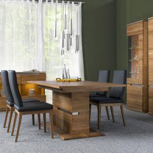 Kolekcja Torino zwraca uwagę swym wyjątkowym rysunkiem naturalnego, olejowanego drewna dębowego. Cechą wyróżniającą kolekcję są charakterystyczne przecięcia na masywnych frontach. Fot. Szynaka Meble.
