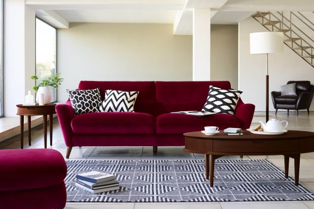 Modne mieszkanie. Zobacz jak dopasować sofę i stolik w salonie