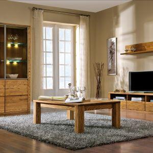 Kolekcja Orlando dostępna jest w trzech eleganckich odcieniach: olej bursztyn, olej bianco oraz olej natura. Jest wykonana z drewna litego, klejonego z listew ciągowych. Fot. Dekort