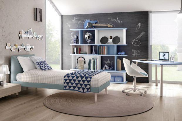 Pokój małego dziecka powinien być skąpany w kolorach. Najlepiej wprowadzić je do pomieszczenia pod postacią barwnych i funkcjonalnych mebli. Zobaczcie 10 absolutnie świetnych zestawów mebli.