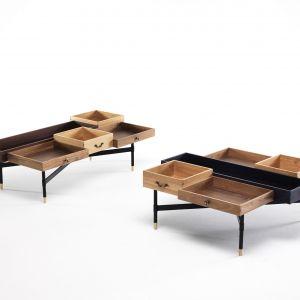 Stolik Mogg wyglądem przypomina przypadkowo ułożone obok siebie szuflady. Fot. Go Modern Furniture