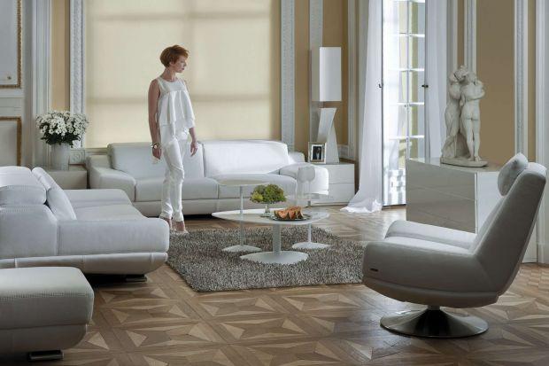 Fotel Corrente wyróżnia się ciekawą bryłą i oferuje komfort wypoczynku.