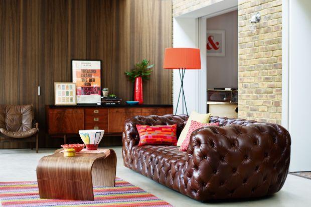 Stylowy salon. Zobacz 10 niesamowitych pikowanych sof