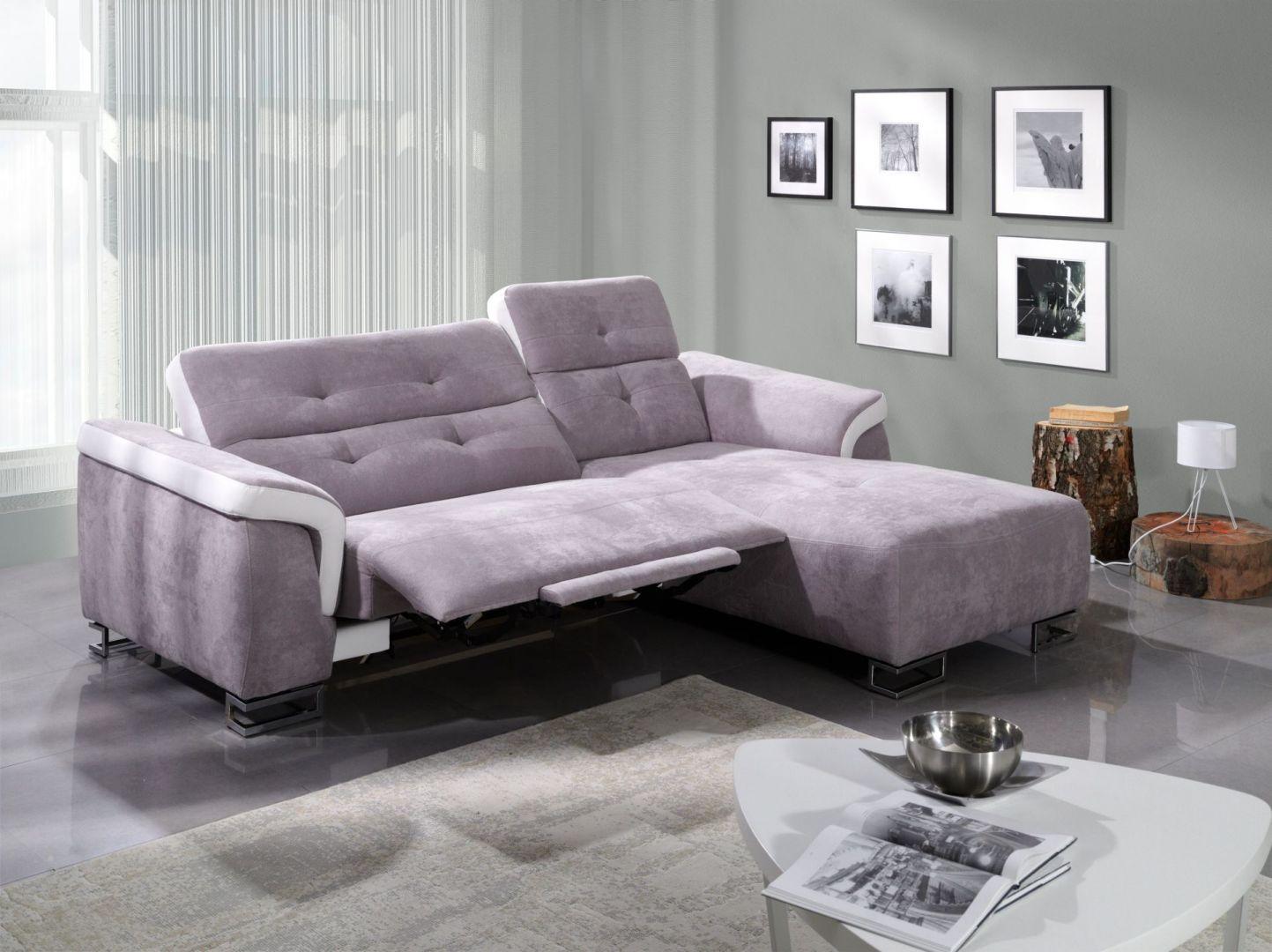 Sofa Amber marki Benix komfortowo się rozkłada, dzięki temu można się na niej wygodnie wypocząć. Cena: ok 4.614 zł. Fot. Benix