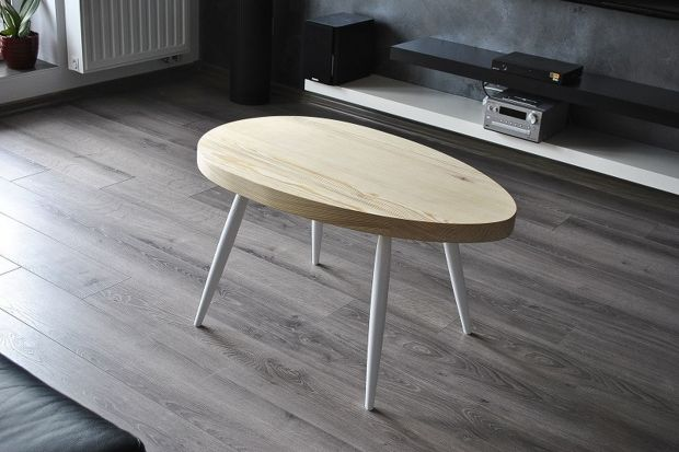Drewniany stolik. Zobacz jak wykonać go od podstaw