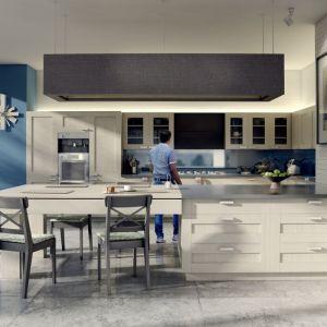 Kuchnia Como jest przeznaczona zarówno do wnętrztradycyjnych, jak i nowoczesnych. Front w kształcie ramy jestfornirowany naturalną okleiną z dębu bielonego w usłojeniu pionowym. Fot. Bik Meble