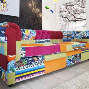 Sofa Symfonia zachwyca feerią kolorów oraz ponadczasowym designem. Fot. 9design