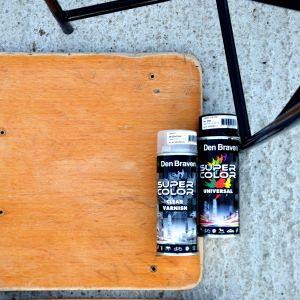 Krzesło rozkręcamy i wszystkie części oczyszczamy za pomocą szlifierki lub papieru ściernego. Fot. Deco-Szuflada