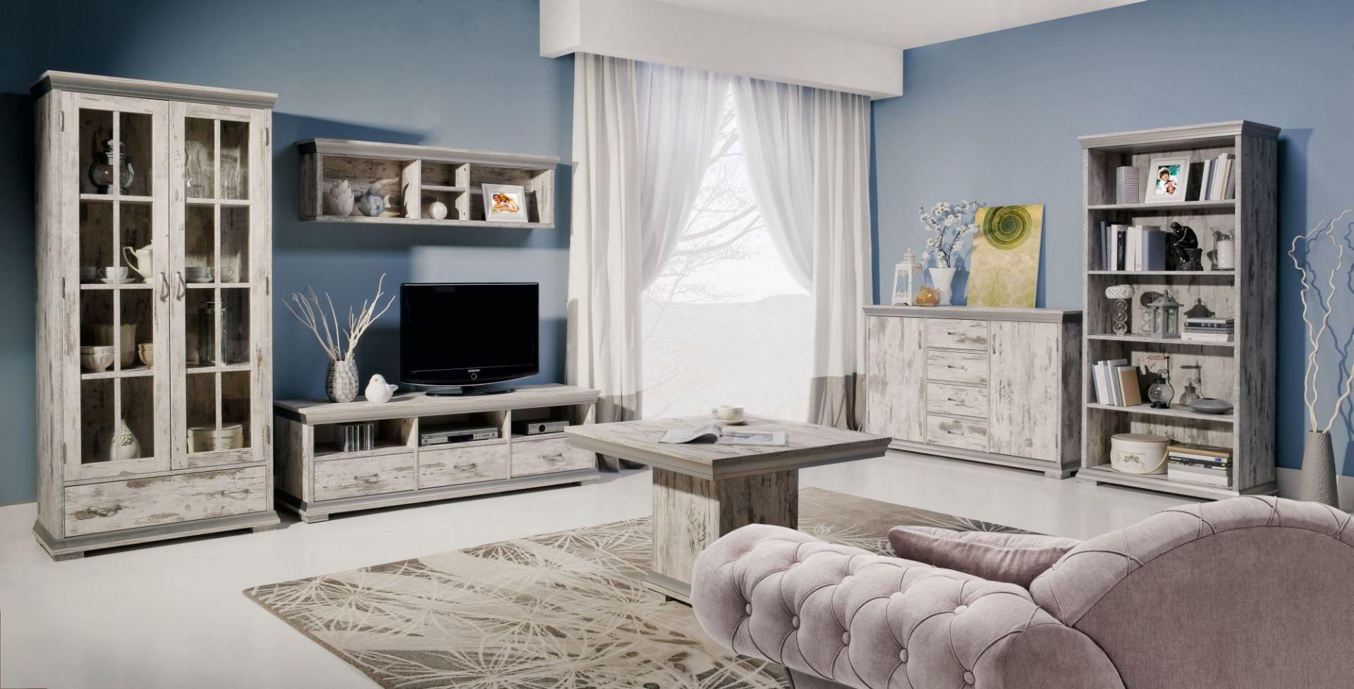 System Retro to zestaw mebli, które wprowadzą do wnętrza salonu niepowtarzalny styl nawiązujący do dawnych klimatów. Fot. Stolwit