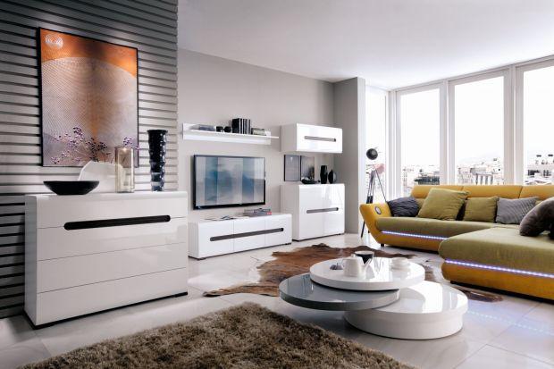 Mały lub duży, drewniany lub z tworzywa sztucznego, klasyczny lub nowoczesny – wybór stolika kawowego, choć z pozoru jest kwestią prostą, może sprawić nie lada problem. Przed zakupemwarto więc gruntownie się zastanowić, który mebel będzie