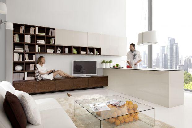Półwysep tobardzo funkcjonalny element wnowoczesnym wnętrzu. Umożliwia wspólne, rodzinne gotowanie, a także tworzy dodatkowe miejsce do przechowywania kuchennych akcesoriów.
