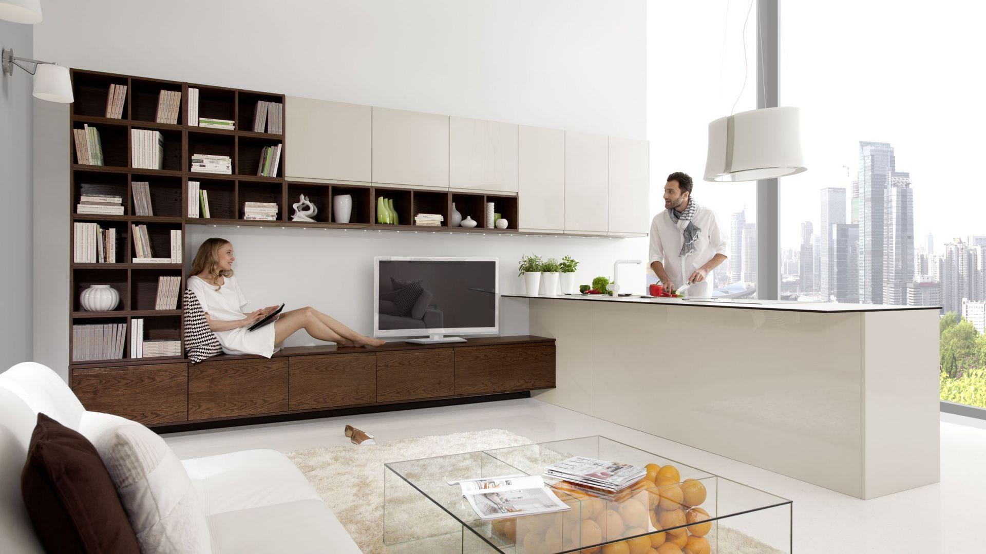 Formę i wielkość półwyspu warto przemyśleć już na etapie projektu wnętrza. Fot. Home Cucine