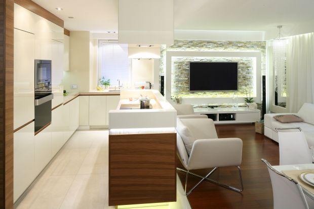 Salon z kuchnią. Tak urządzisz modne wnętrze