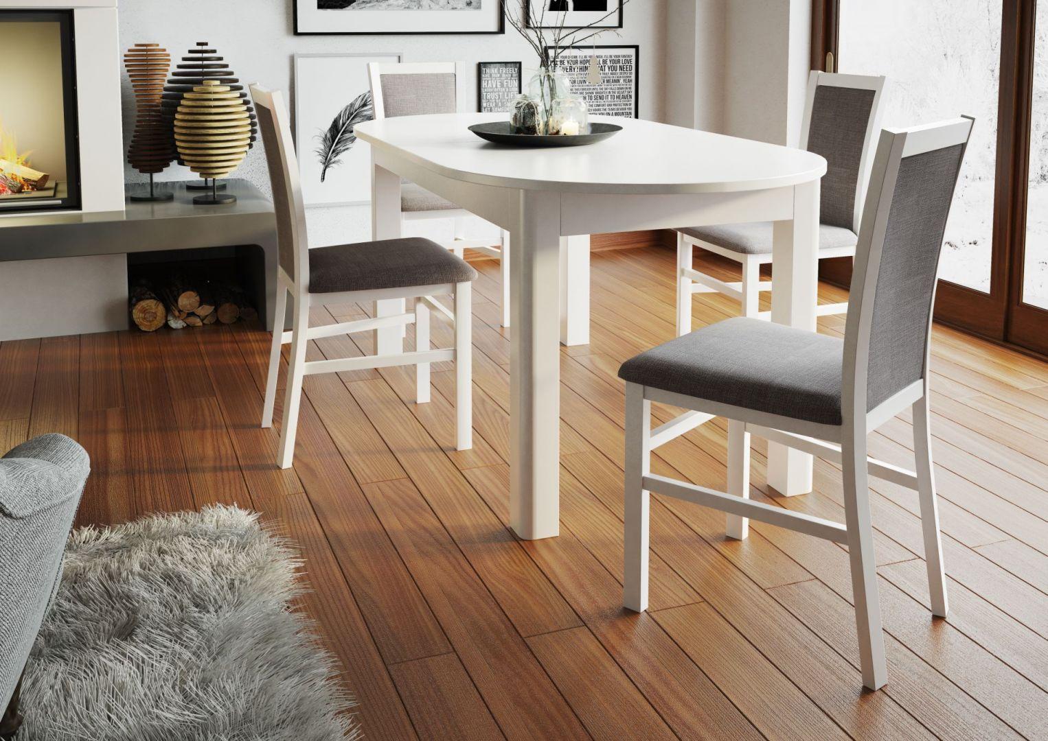 Stół Neptun to ponadczasowy styl i możliwość dopasowania do wnętrza, dzięki trzem modnym kolorom. Fot. Szynaka Meble