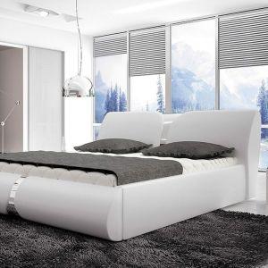 Łóżko tapicerowane Round dostępne jest w szerokiej gamie materiałów, w wielu kolorach do wyboru. Istnieje możliwość zamówienia w wersji z praktycznym pojemnikiem na pościel. Cena: 1.100 zł. Fot. Wersal