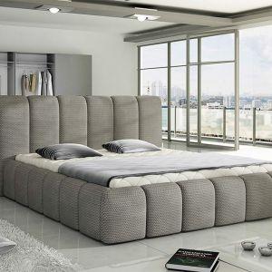 Łóżko tapicerowane Amber. Obicie w wybranej tkaninie m.in. szenile, ekoskóra, plecionki, zamsz. Cena: około 1.500 zł. Fot. Wersal