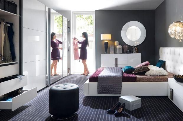 Jak zapewnić sobie i najbliższym komfortowy wypoczynek? Sposobem na spokojny sen w sypialni jest nie tylko wygodne łóżko z materacem. Sprawdź, czego potrzebujesz, żeby stworzyć wyjątkowy nastrój.