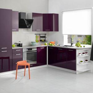 City to kuchnia elegancka, a jednocześnie skromna. Fronty w modnym kolorze oberżyna. Fot. Castorama